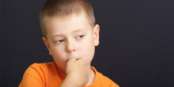 مشکل جویدن ناخن در کودکان