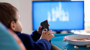 مدت زمان تماشای تلویزیون کودک