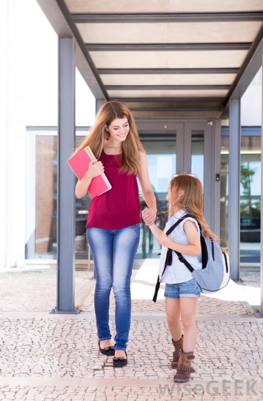 چگونه کودکان را برای رفتن به مدرسه اماده کنیم