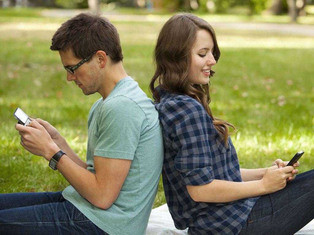 کمتر پیام ارسال کنید تا رابطه بهتری داشته باشید