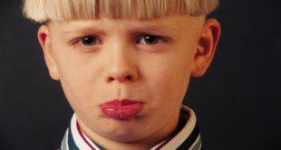 روانشناسی علت تیک عصبی چیست ؟