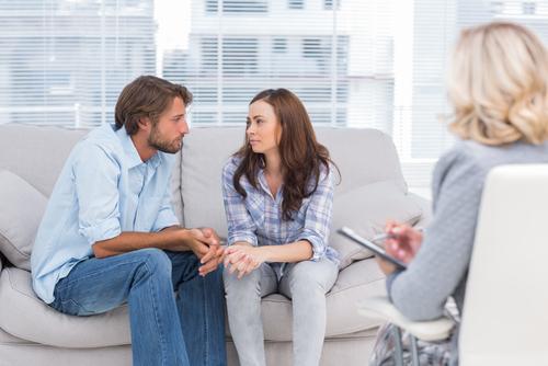 کم حرفی در روابط زناشویی
