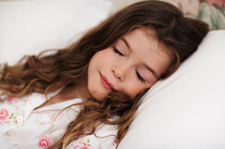 نکاتی که والدین درباره خواب کودکان باید یاد بگیرند