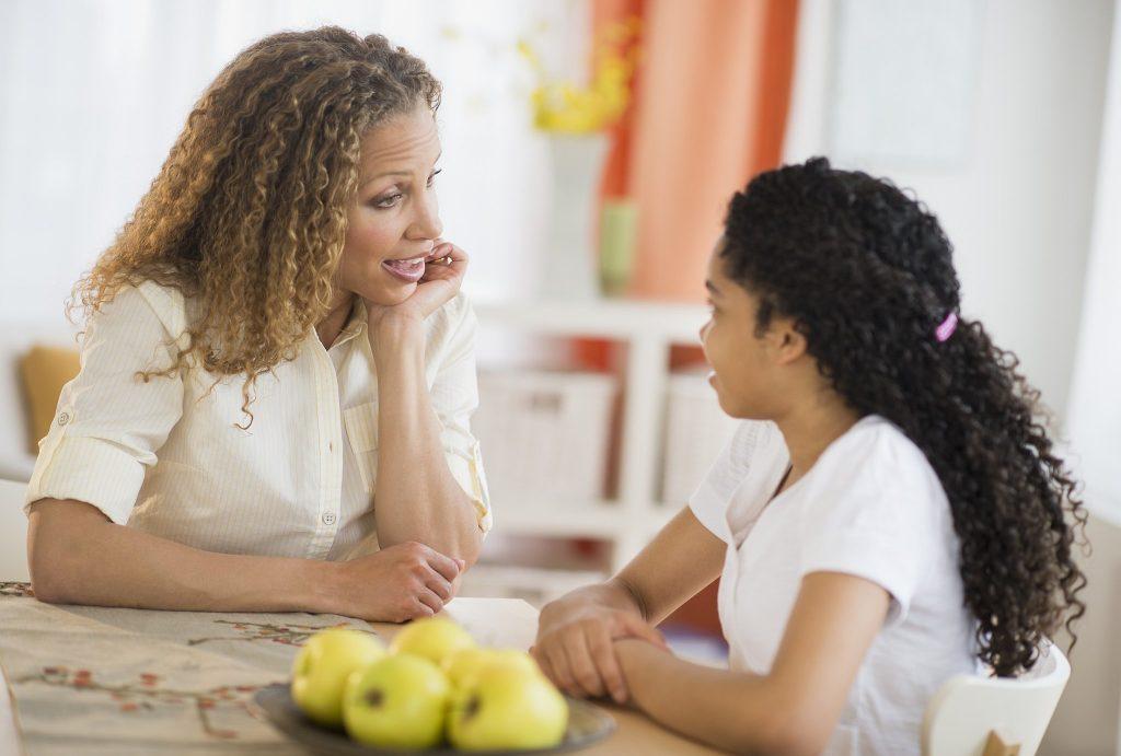 صحبت کردن مادر با کودک در تربیت فرزند