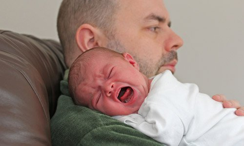 مقابله با کولیک نوزاد در تربیت فرزند