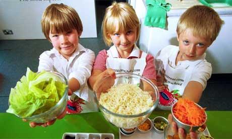 اشپزی کردن برای کودک