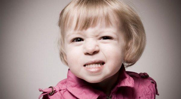 عامل دندان ساییدن کودک ها