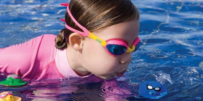 وسایل شنای خطرناک برای کودک ها