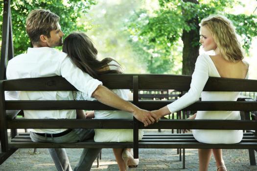 علل خیانت زن و شوهر