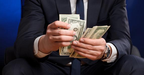 تصمیمات مالی مهمی که تا پیش از 35 سالگی باید بگیرید