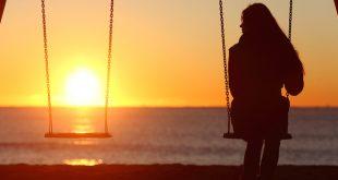 تنهایی دلیل بیخوابی
