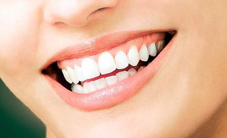 تفاوت لبخند واقعی از تظاهر به لبخند