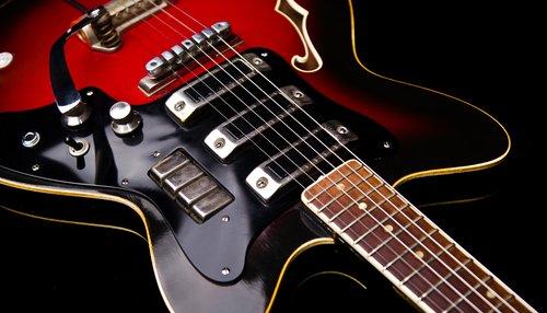 موسیقی راک گوش کنید