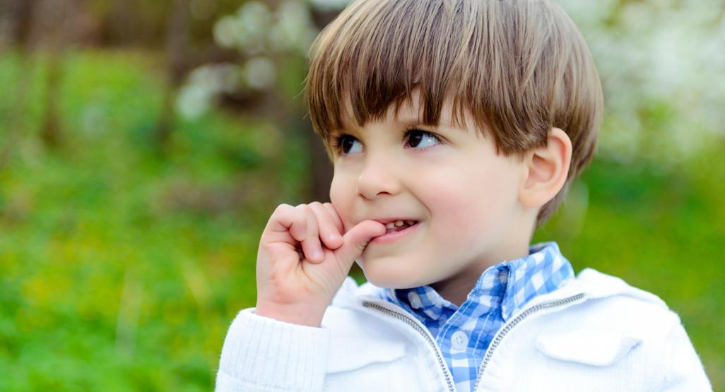 کودکان چرا ناخن میجوند؟