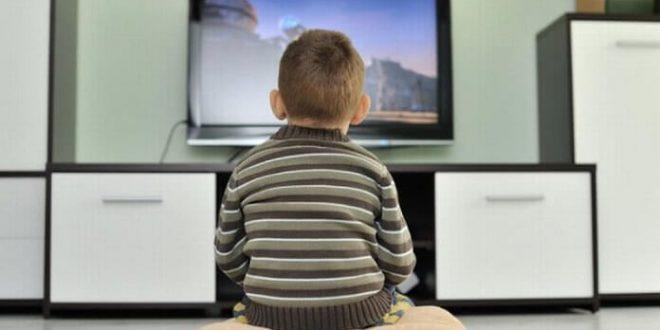تماشای تلویزیون و بلوغ زودرس
