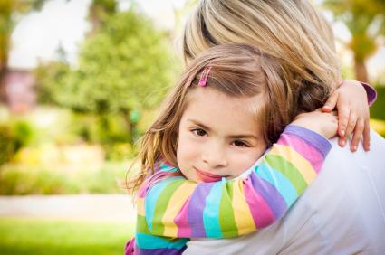 فواید در آغوش گرفتن فرزند