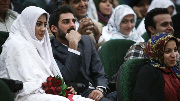 بررسی ازدواج دانشجویی