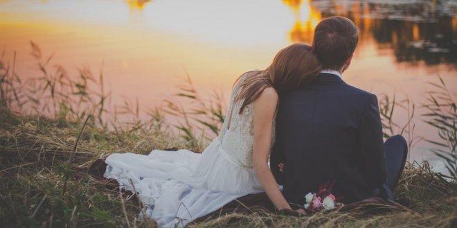 دعوت مهمانها به مراسم ازدواج