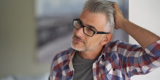 خصوصیات مرد ۴۰ ساله چیست؟ (۷ ویژگی)