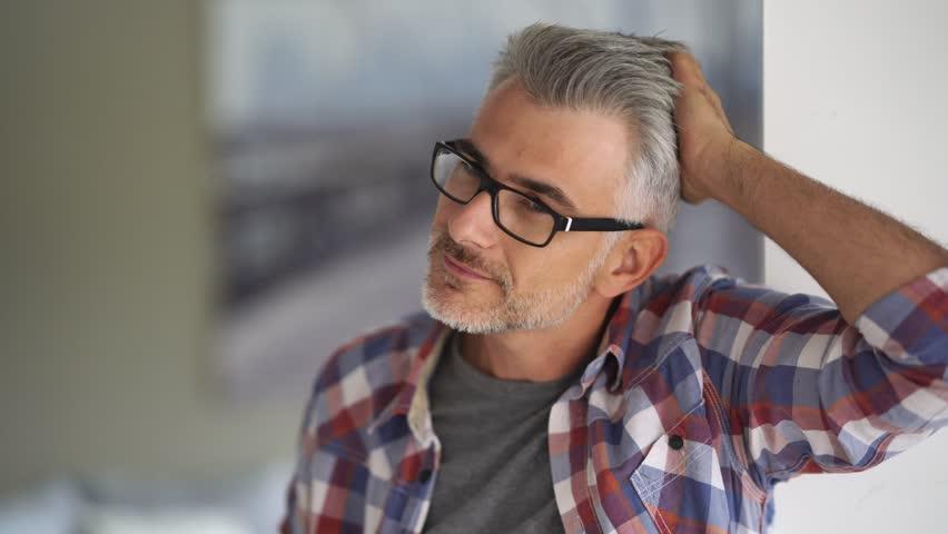 خصوصیات مرد 40 ساله