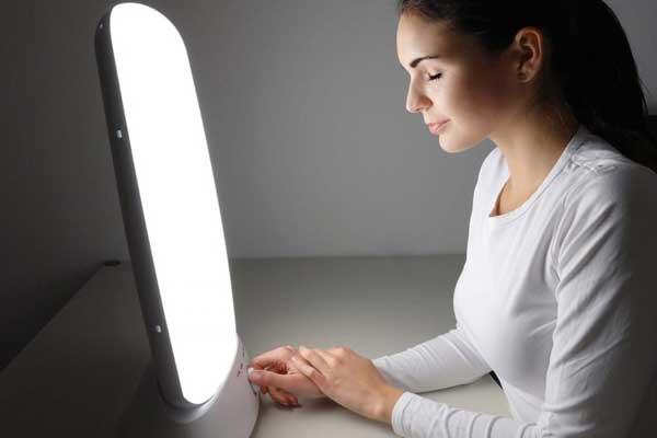 کاربرد-نور-درمانی